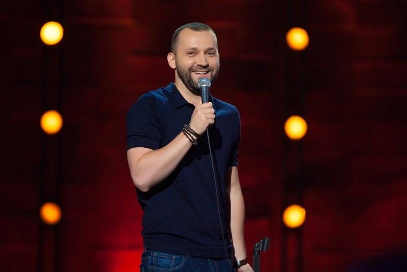 Сколько зарабатывает самый высокооплачиваемый российский комик Руслан Белый