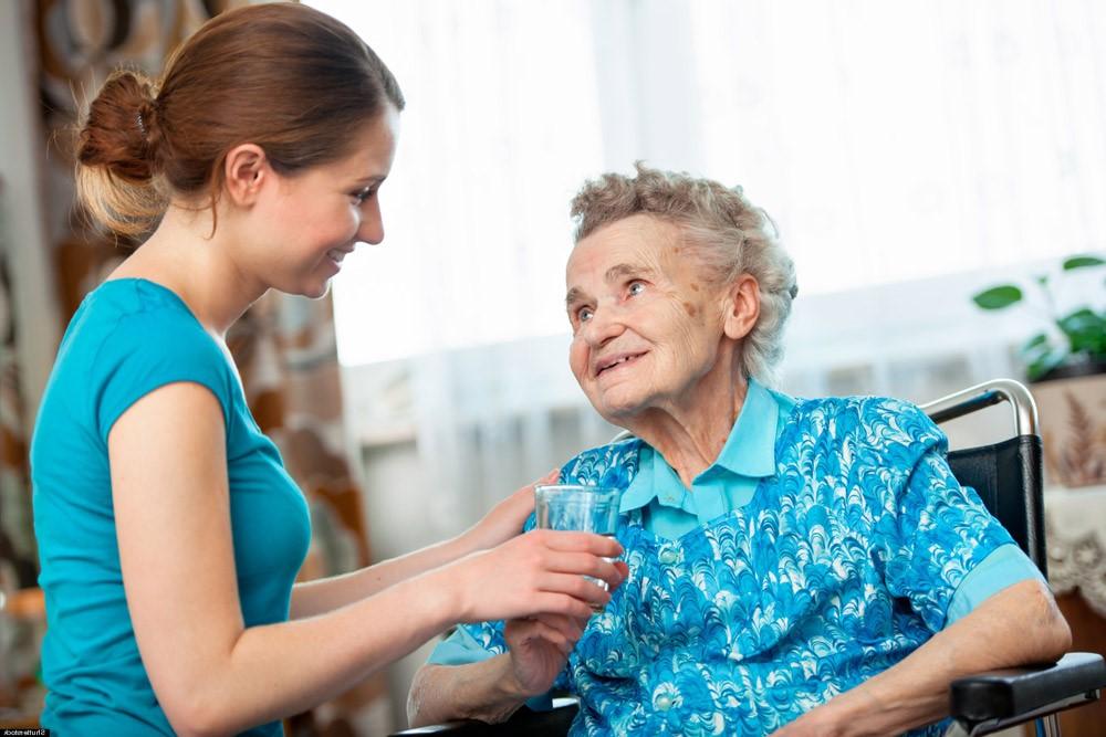 Что нужно для того, чтобы оформить опекунство над пожилыми людьми?