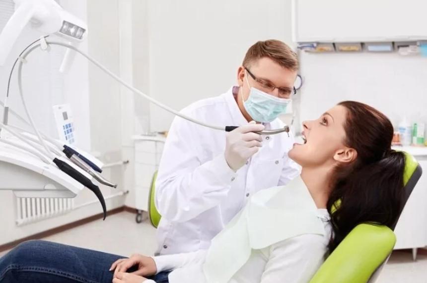 Сколько зарабатывает врач стоматолог, какие привилегии есть у представителей профессии