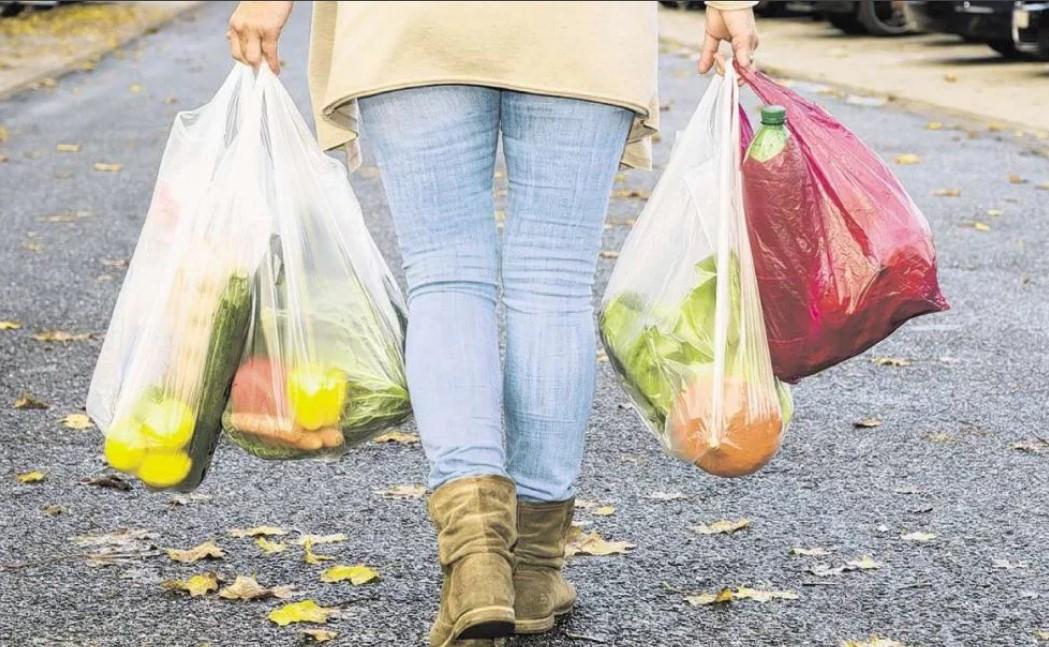 Почему стоит отказаться от покупки полиэтиленового пакета в супермаркете