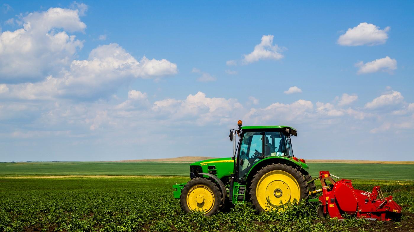 Какая зарплата у тракториста?