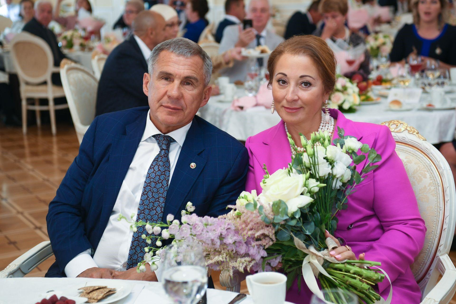Жены чиновников: как зарабатывает Гульсина Минниханова