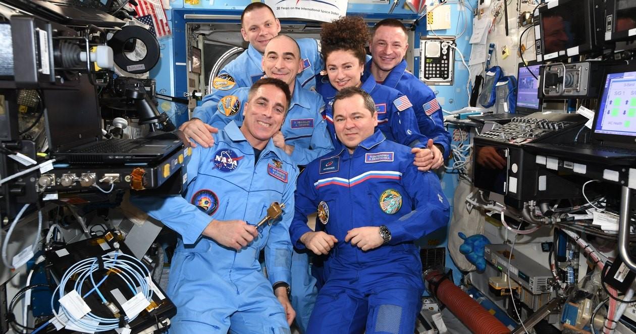 Реалии космонавтов: почему пропадает желание лететь в космос
