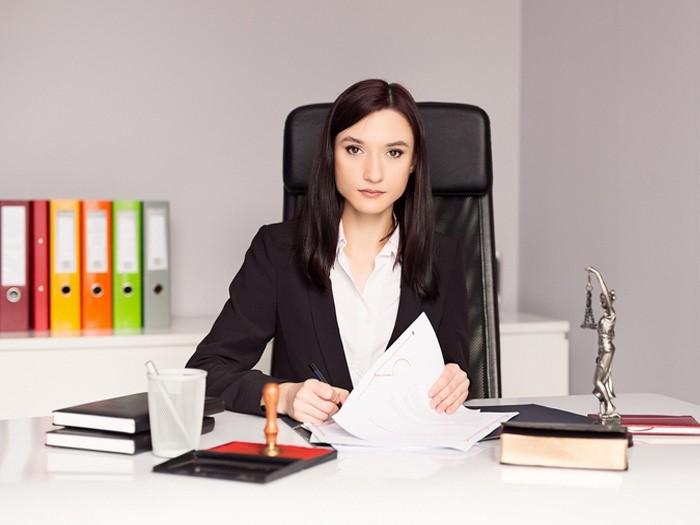 Особенности профессии юриста: ключевые черты, плюсы и минусы рабочей сферы